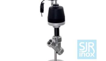 Клапан с наклонным шпинделем с пневматическим управлением, с позиционером